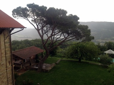 Rainy afternoon in Tuscany. #luxuryproblem