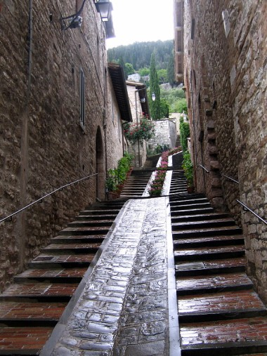 The next day we made an expedition to the steep Umbrian hilltown of Gubbio.