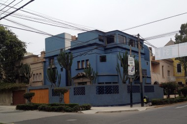 10-16 blue house