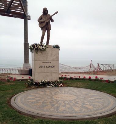 10-16 john lennon statue
