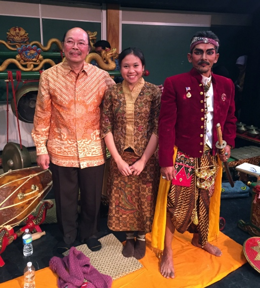 in the afterglow of the Gamelan Kusuma Laras concert at Hofstra University -- I get to play with some extraordinary musicians, most notably I. M. Harjito (our artistic director and teacher) and Peni Candrarini (exquisite Javanese pesindhen, or female vocal soloist) -- pictured here with guest dancer and hilarious cut-up Anang Totok Dwiantoro