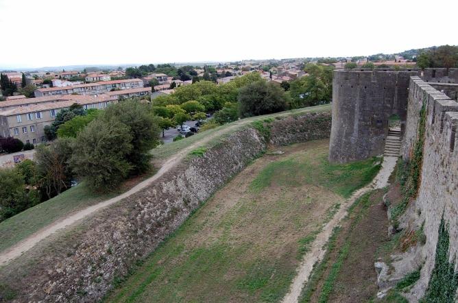 9-14 river side of castle