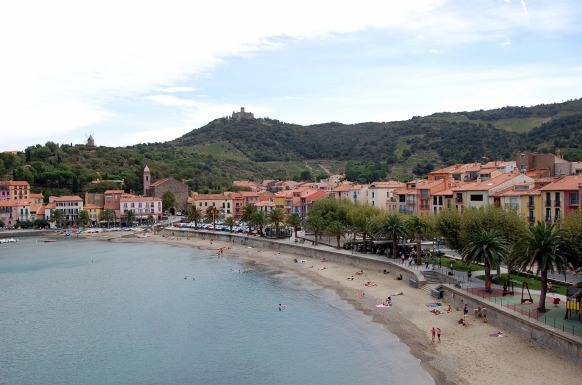 9-16 collioure beach