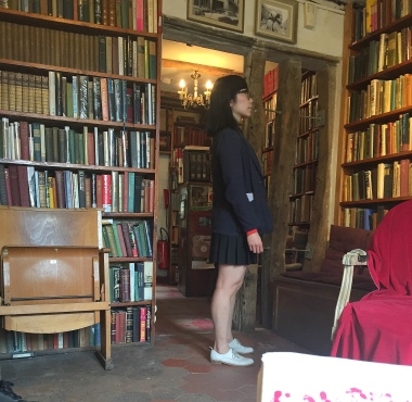9-19 inside shakespeare and co