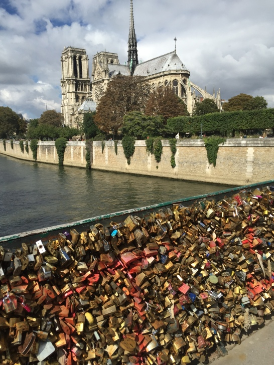 9-19 love locks nortre dame