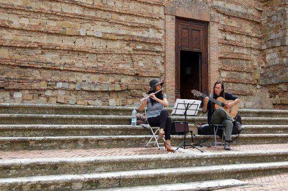 6-17 musicians in piazza Barbara Piperno Marco Ruviero